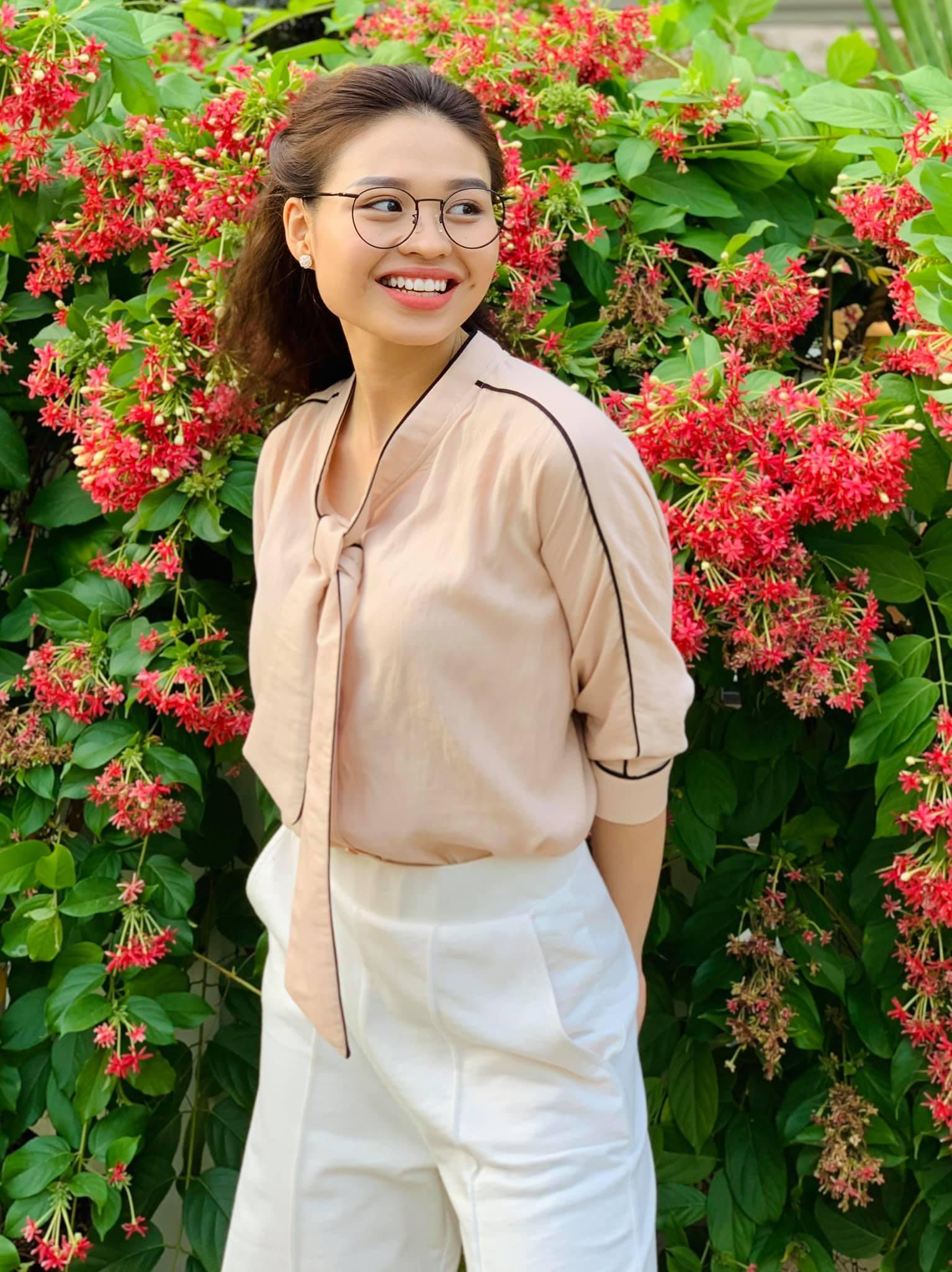 Con gái 26 tuổi xinh đẹp của Lê Giang - Duy Phương