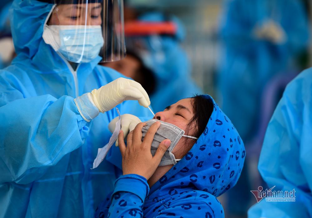 Thêm 464 ca nhiễm trong 24 giờ, TP.HCM có 4.302 bệnh nhân Covid-19