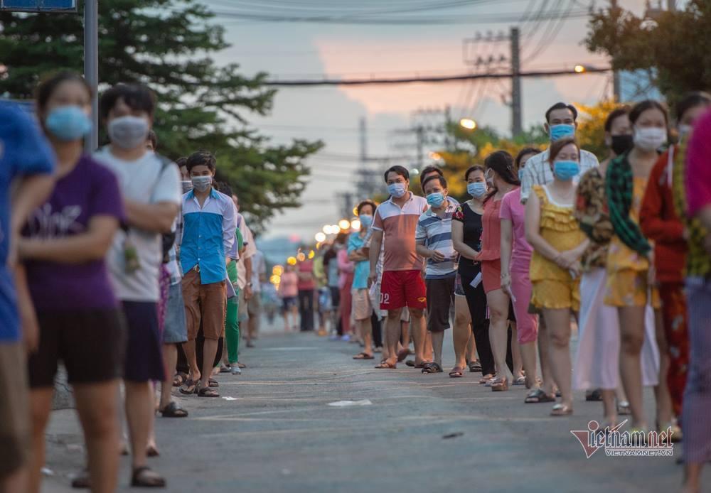 Phường có nhiều ca Covid-19 nhất, quận Bình Tân xét nghiệm 57.000 người