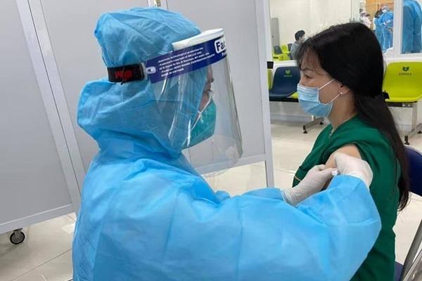 Thúc đẩy sản xuất bằng được vaccine phòng chống COVID-19 trong thời gian sớm nhất để tiêm miễn phí cho toàn dân