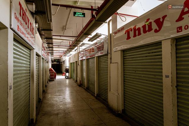 Khung cảnh vắng lặng chưa từng thấy của Chợ Lớn - Sài Gòn