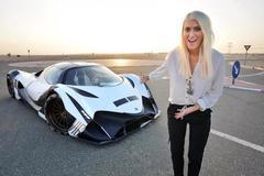 Nữ MC nghỉ việc, làm review xe kiếm hơn 4 triệu USD/năm