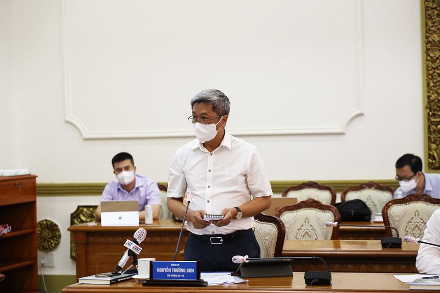 TP.HCM có 4.345 ca mắc Covid-19, Thứ trưởng Bộ Y tế chỉ đạo khẩn