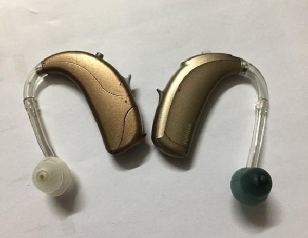 Bạn đọc VietNamNet hỗ trợ bé Thanh Tùng mua máy trợ thính và chạy thận