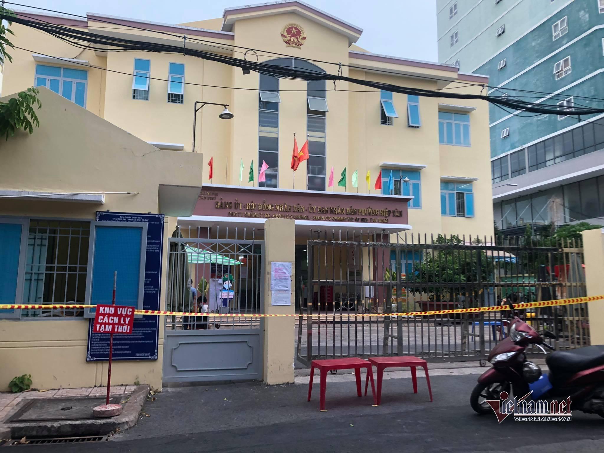 TP.HCM cách ly tạm thời UBND phường ở quận Tân Phú