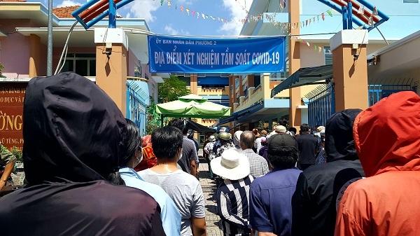 Kéo dài thời gian đóng cửa chợ Hóc Môn, tiểu thương lao đao