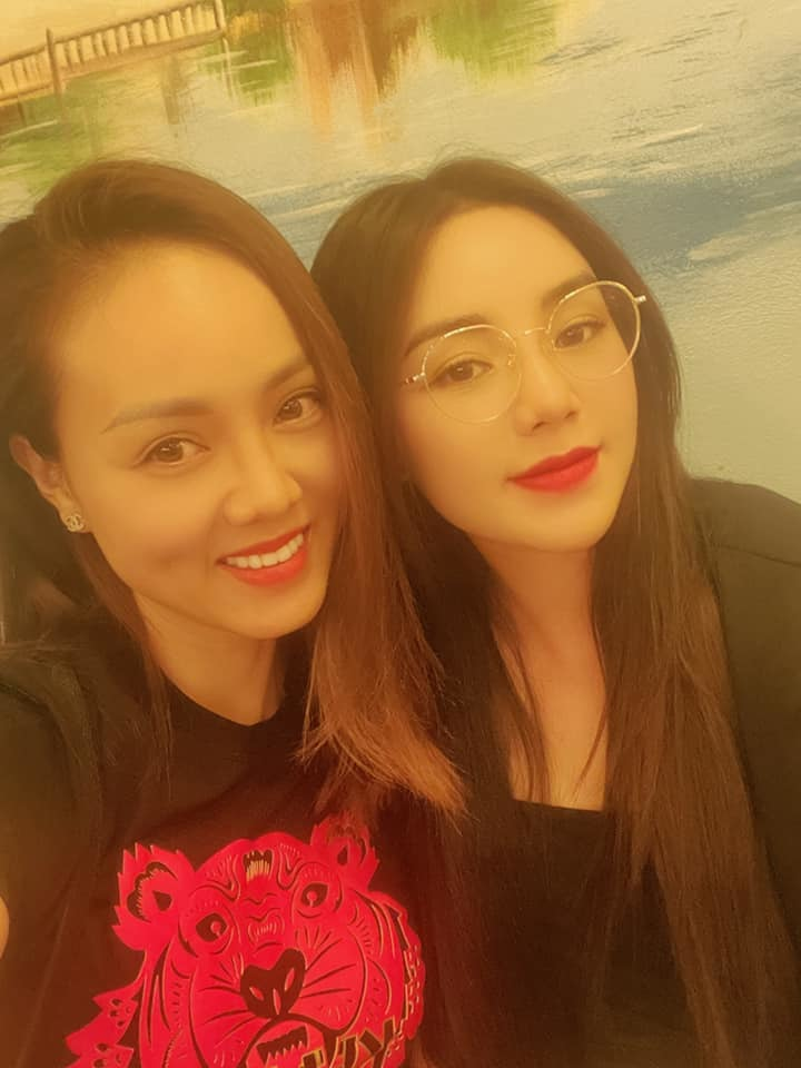 Vợ NSND Công Lý đọ sắc cùng Quỳnh Kool