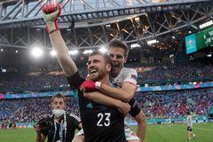Thắng luân lưu nghẹt thở, Tây Ban Nha vào bán kết EURO