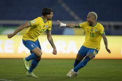 Chơi thiếu người, Brazil vẫn giành vé bán kết Copa America