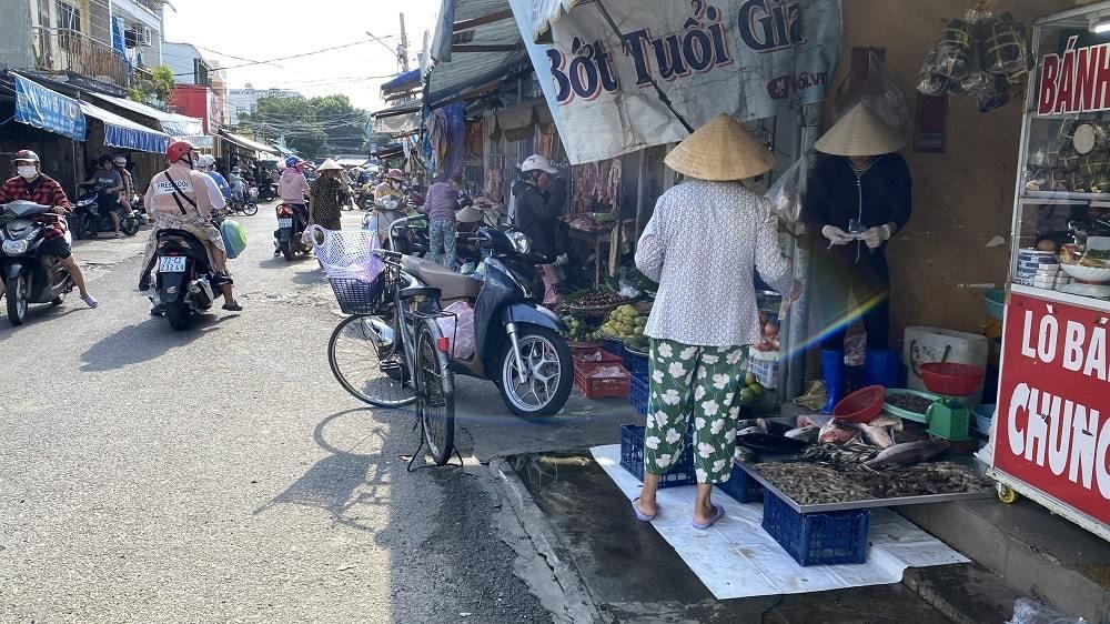Thành phố Vũng Tàu cấm chợ tự phát để phòng dịch Covid-19