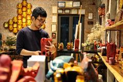 Hanoi artist promotes local culture through lacquerware