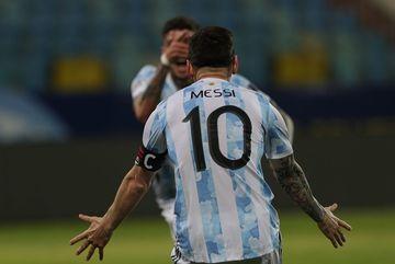 Video bóng đá Argentina 3-0 Ecuador: Người hùng Messi