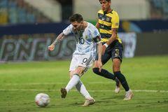 Siêu Messi đưa Argentina vào bán kết Copa America