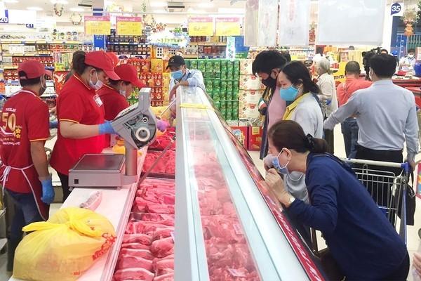Giá cả tăng sốc, dân đã cạn hết tiền mua sắm