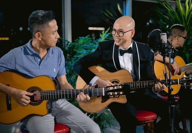 Phan Đình Tùng không áp lực khi chuyển sang hát Bolero