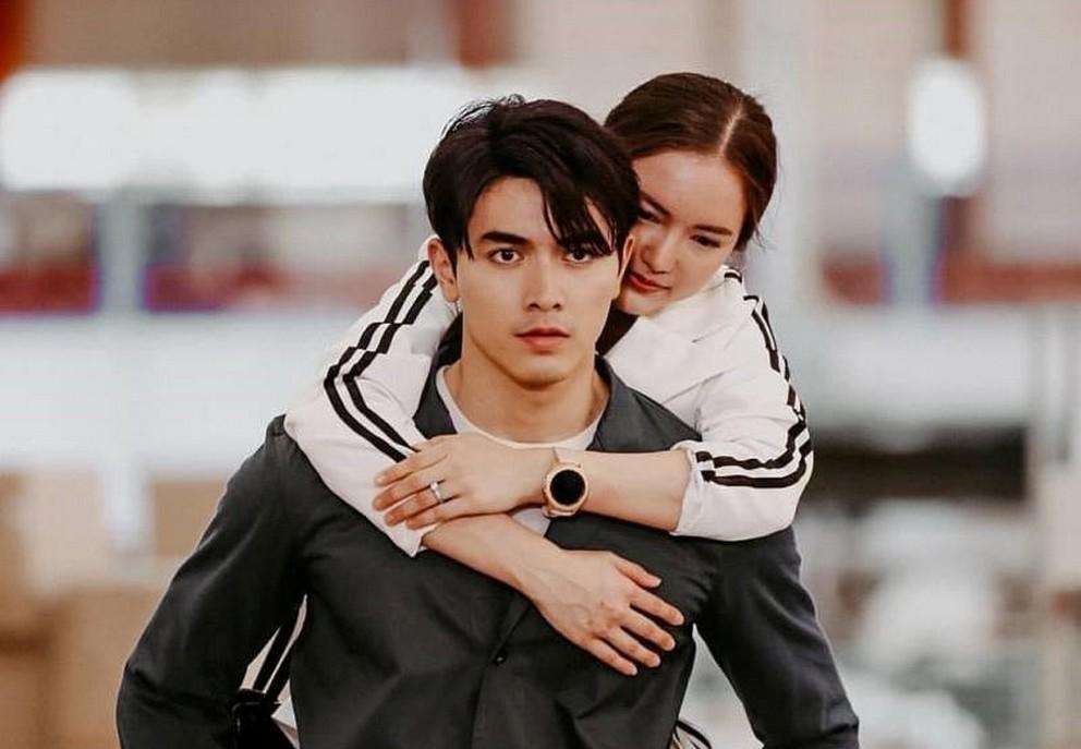 Cặp đôi diễn viên trẻ gây sốt màn ảnh mùa hè của Thái Lan