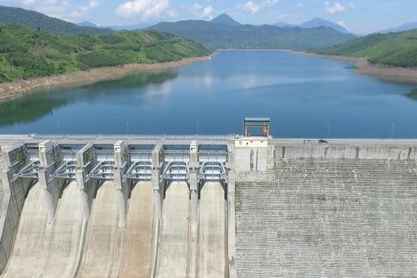 Thủy điện: Góp một phần năng lượng đáng kể và nâng cao chất lượng cho hệ thống điện