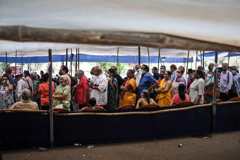 Ấn Độ bắt hàng chục người liên quan tới vắc xin ngừa Covid-19 giả