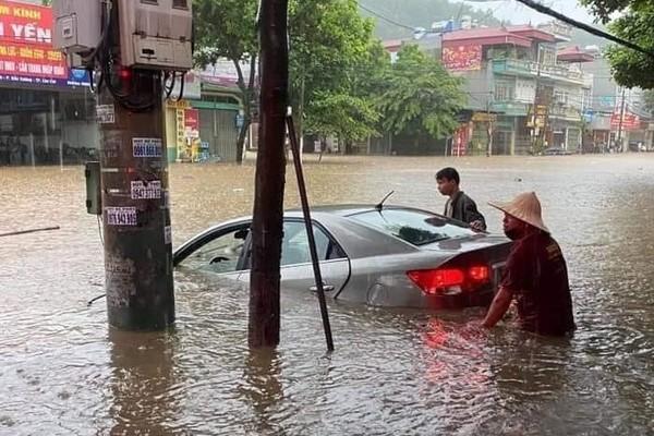 Lao Cai city submerged after heavy rain