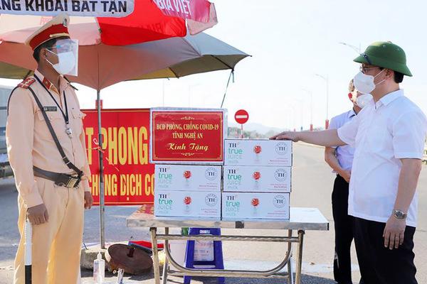 Chủ tịch Nghệ An chỉ đạo TP Vinh 'không cứng nhắc trong chống dịch'