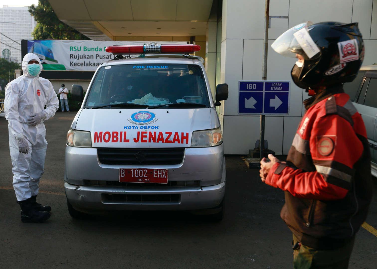Đội motor tình nguyện dẫn đường cho xe cấp cứu giữa mùa dịch Covid-19