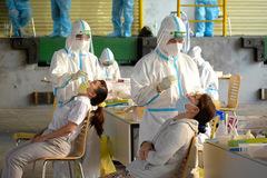 TP Thủ Đức thí điểm để người dân tự lấy mẫu xét nghiệm nCoV tại nhà