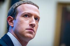 """CEO Facebook có """"hành động đặc biệt"""" gây sốt mạng"""