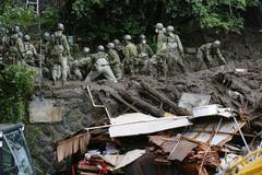 Nhật tìm mọi cách giải cứu người mất tích sau vụ lở đất kinh hoàng