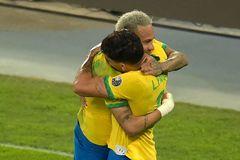 Neymar nhảy samba, Brazil hẹn Argentina ở chung kết Copa