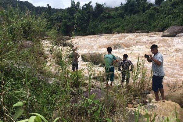 Hai công nhân bị lũ cuốn trôi ở Lai Châu, các lực lượng nỗ lực tìm kiếm