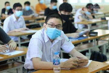 Hơn 300.000 học sinh khẩn cấp dừng đến trường vì 2 ca Covid-19 mới