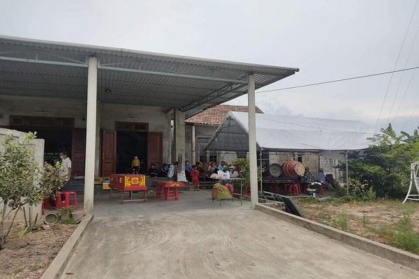 Phát hiện người phụ nữ chết sau vườn nhà ở Quảng Bình