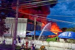 Lại cháy nhà máy ở Bangkok