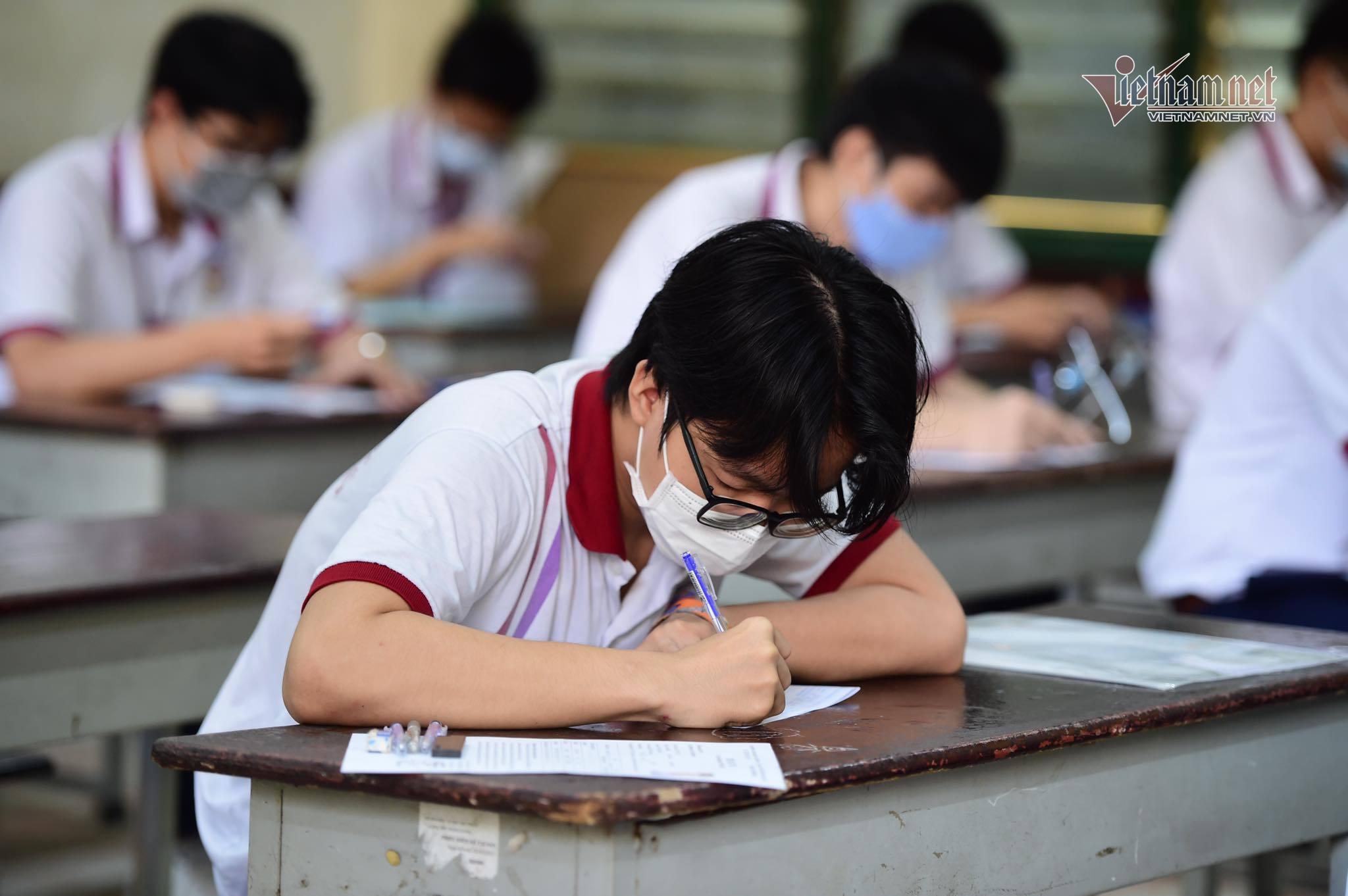 Đề thi Toán phân hóa cao, 'thuận lợi' để xét tuyển đại học