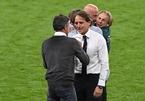 HLV Mancini nói gì khi Italy thắng Tây Ban Nha toát mồ hôi?