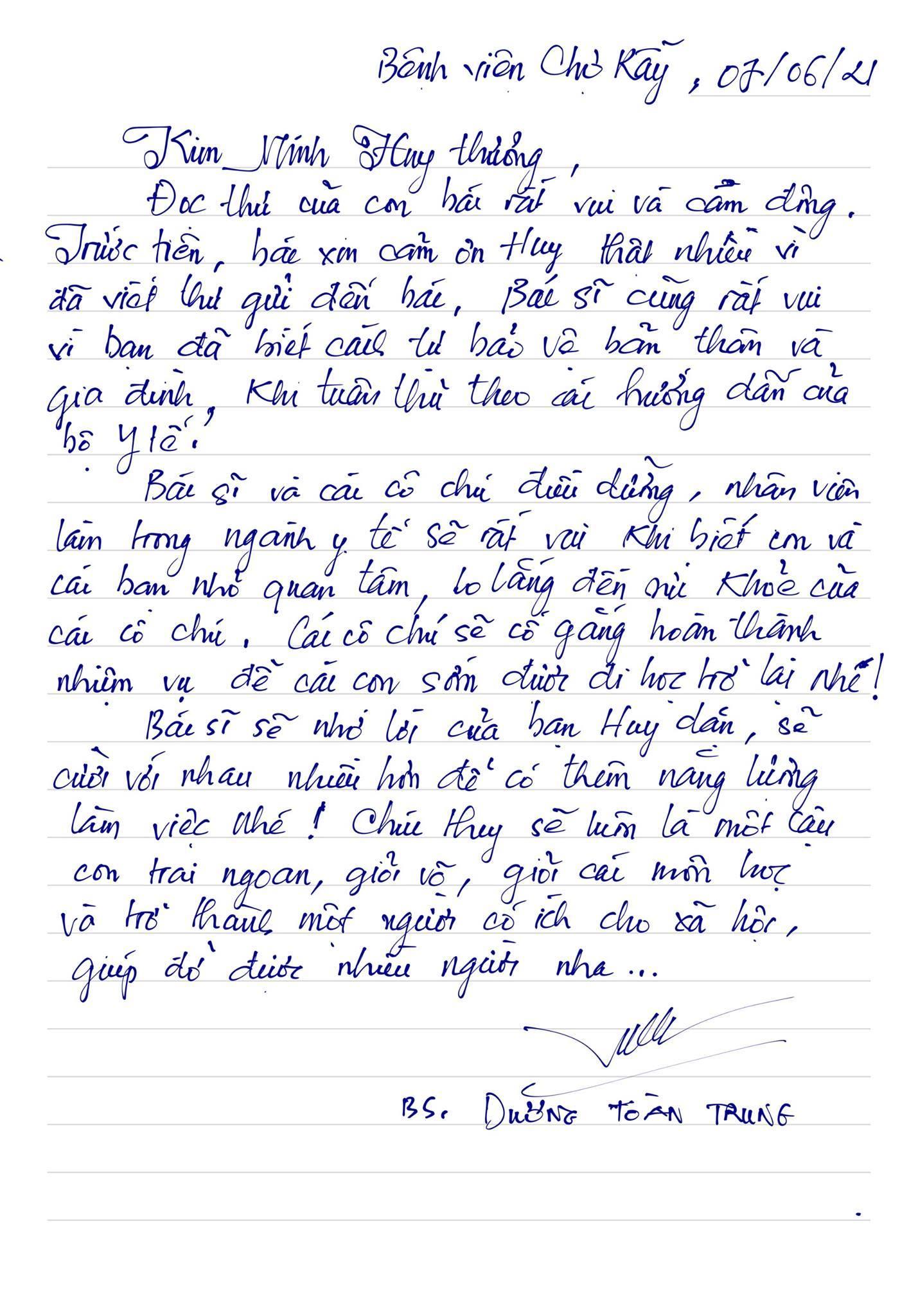 Bác sĩ ở Sài Gòn viết thư hồi âm cậu bé lớp 4 hỏi về chống dịch Covid-19