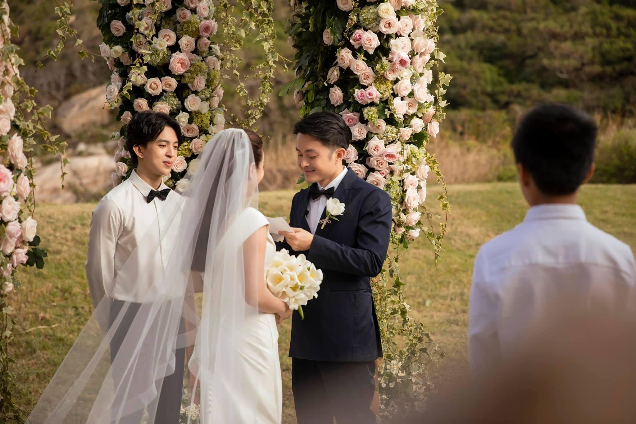 Bật mí hợp đồng hôn nhân của hoa hậu Thu Hoài và chồng kém 10 tuổi