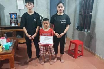Trao hơn 200 triệu đồng đến 3 chị em mồ côi ở Nam Định