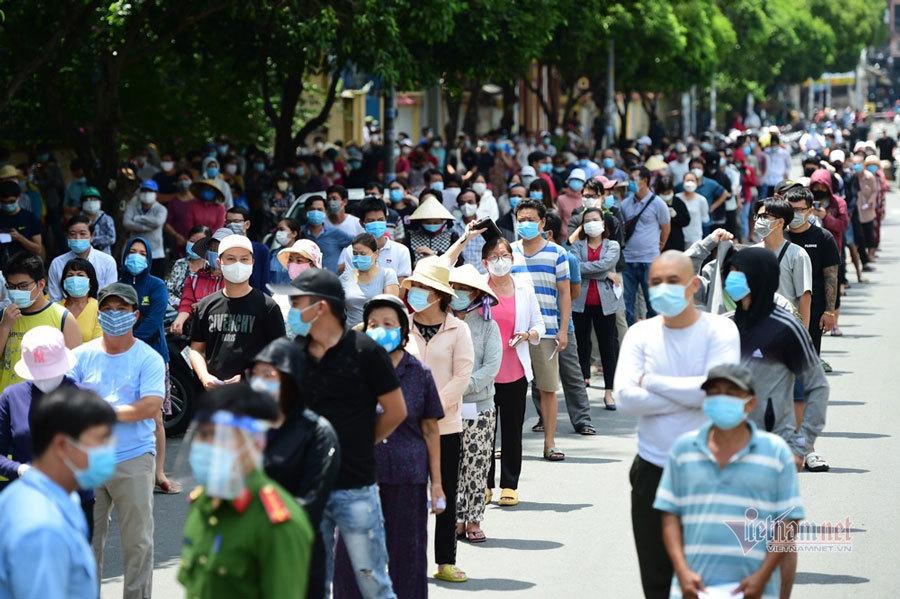 Thủ tướng yêu cầu TP.HCM chuẩn bị cho việc hạn chế người dân đi lại
