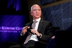 Tài sản tăng kỷ lục, Jeff Bezos giàu hơn sau một ngày về hưu
