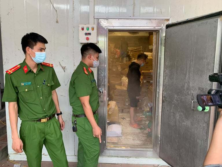 Gần 3 tấn thực phẩm đông lạnh nhập lậu ở Hà Nội