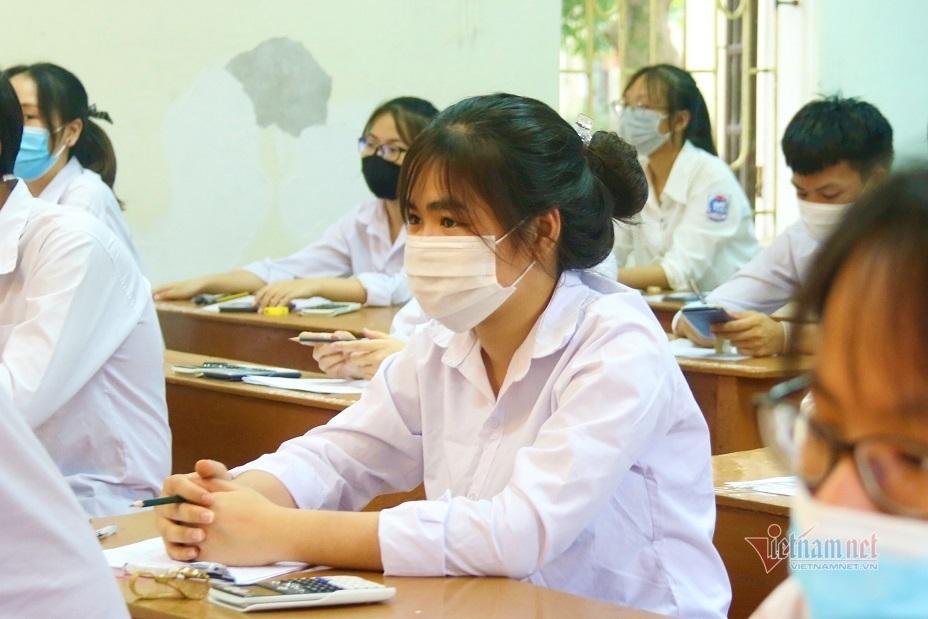 9 thí sinh bị đình chỉ trong ngày thi tốt nghiệp đầu tiên