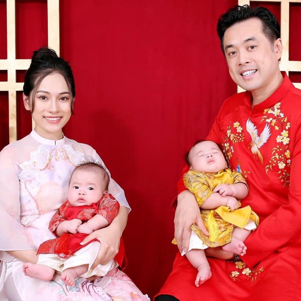 Dương Khắc Linh hết mực chiều vợ trẻ kém 13 tuổi và 2 con sinh đôi