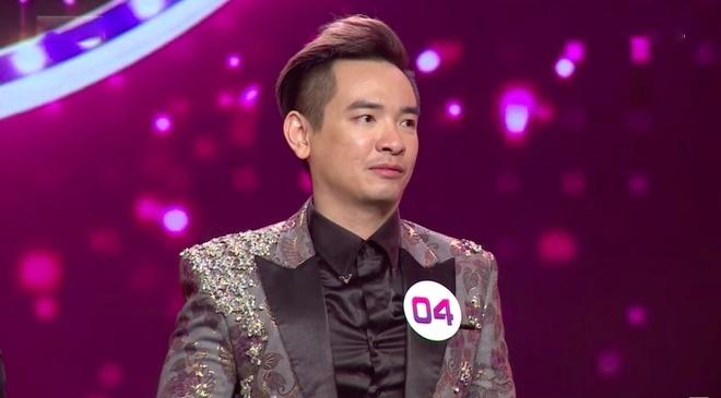 Ca sĩ Việt Quang được xuất viện về nhà điều trị tiếp