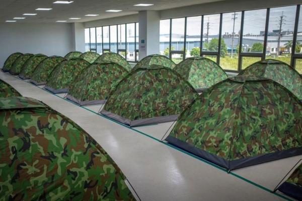 Báo Mỹ: Công nhân Việt Nam sẵn sàng ngủ tại nhà máy để đảm bảo chuỗi cung ứng