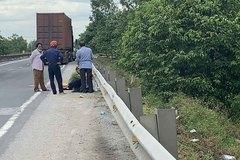 Va chạm với xe container, nam thanh niên 25 tuổi tử vong ở Hà Tĩnh