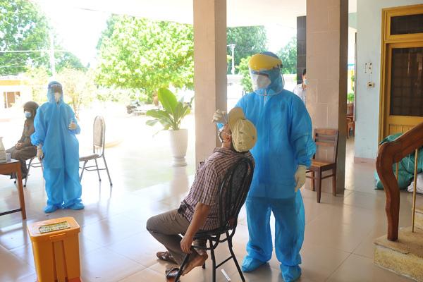 Phú Yên thêm 21 ca nhiễm SARS-CoV-2, có 1 bác sĩ