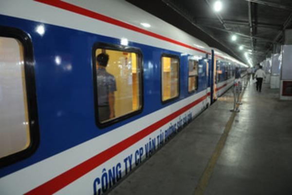 Từ ngày 9/7, hàng không, đường sắtđi đến TP.HCM thế nào?