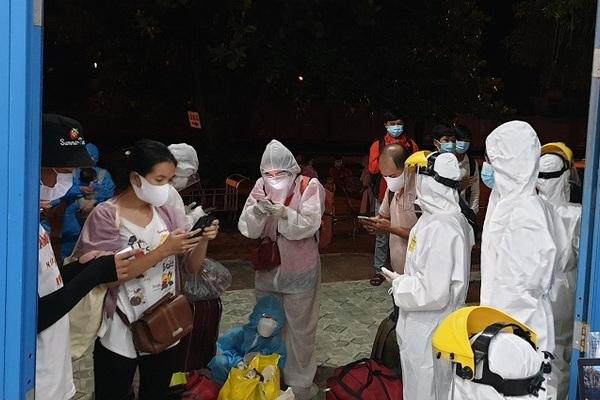 Tỉnh Thừa Thiên-Huế ra Quảng Trị đón 20 công dân về cách ly