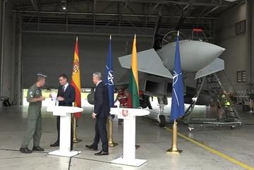 Máy bay Nga 'quấy rối' buổi họp báo của Thủ tướng Tây Ban Nha